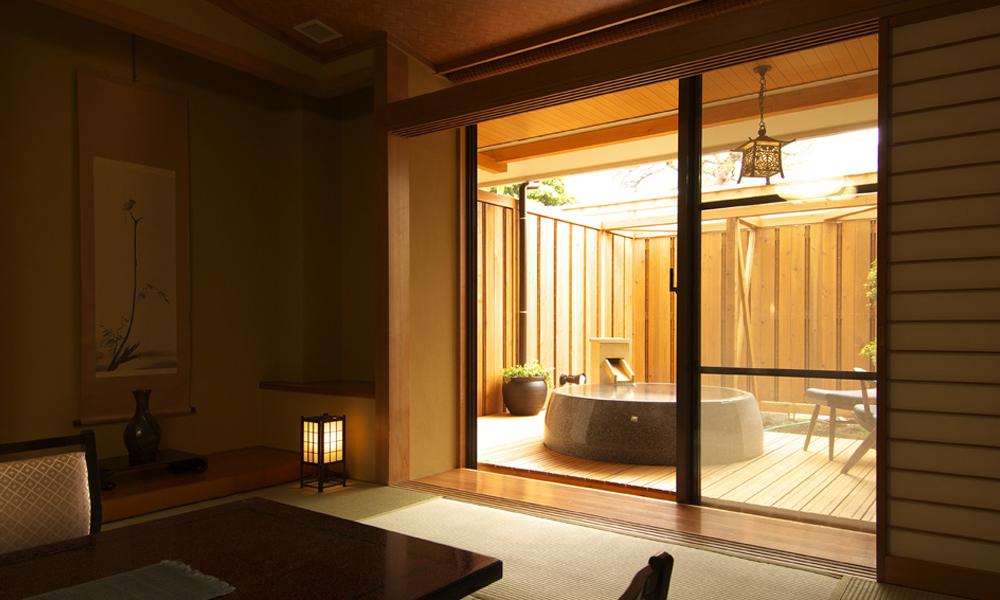 源泉かけ流し露天風呂付和室一例<br /> 2名1室2食付 ¥27,650〜