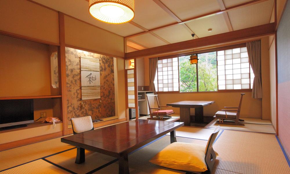 和室(10畳+広緑)<br /> 2名1室2食付 ¥18,850〜
